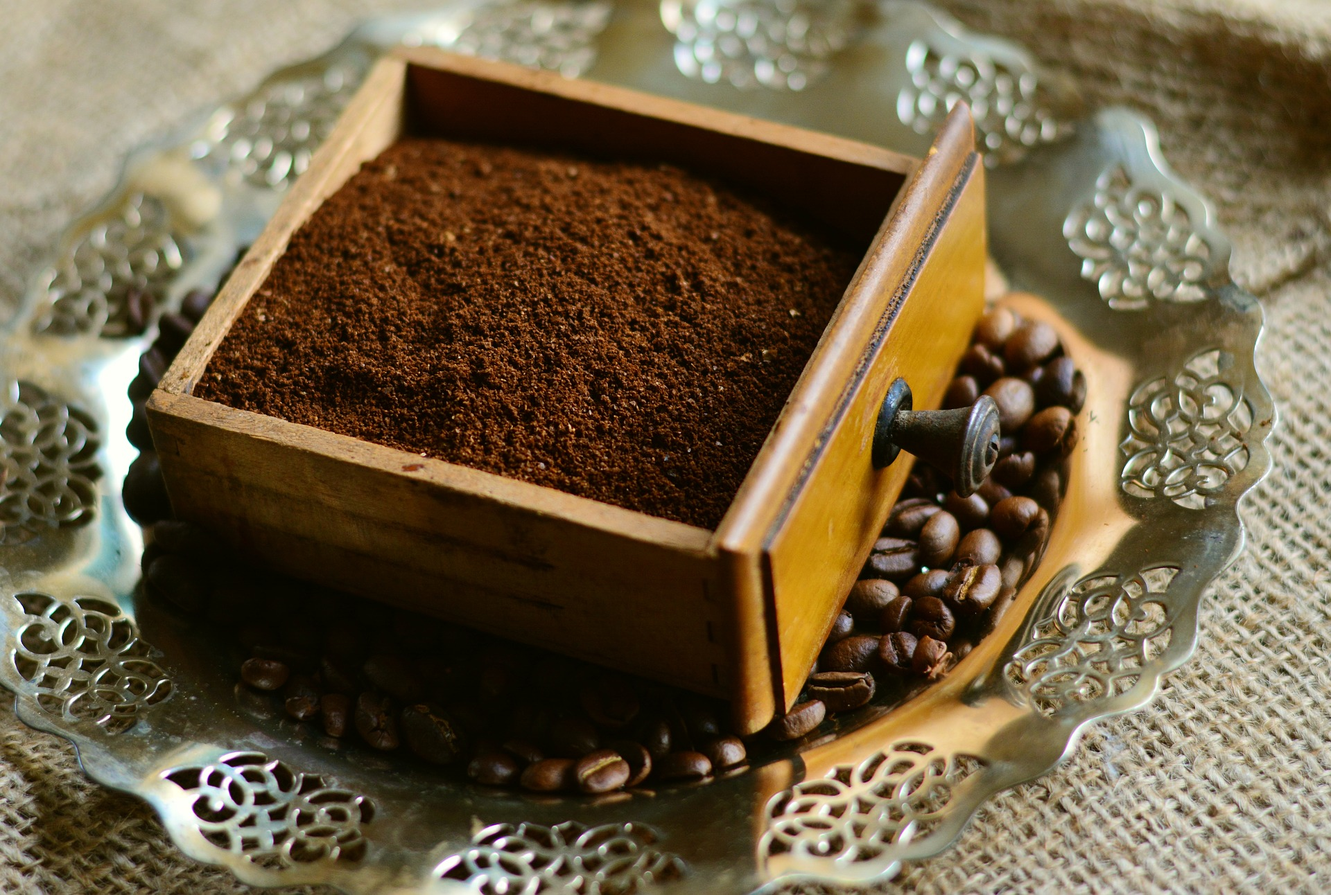 5 Great Ways To Recycle Your Coffee Grounds - Rubbish Taxi