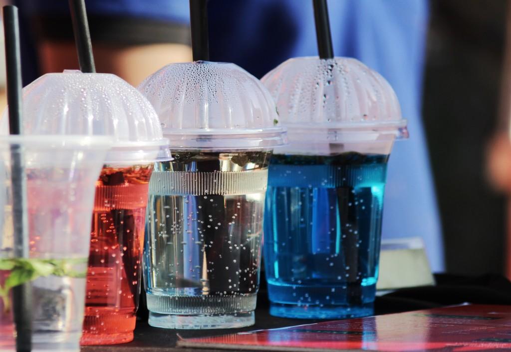 plastic straws damage the environment